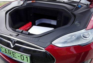 Elektromos autó tesztelése
