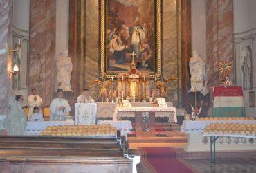 Szent István király napi ünnepi szentmise és cipóosztás